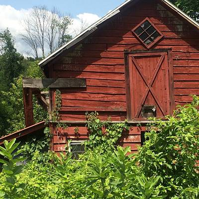 Photograph - Weathered Red Barn - Catskill by Ellen Levinson