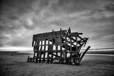 Peter Iredale Photograph - Weathered Rusting Shipwreck In Black And White by Garry Gay
