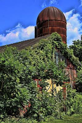 Photograph - Webster Barn And Silo by Gerald Salamone