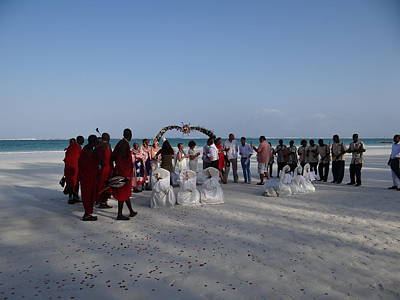 Exploramum Photograph - wedding with Maasai singers by Exploramum Exploramum