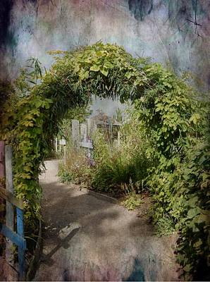 Photograph - Welcome Archway by Dorothy Berry-Lound