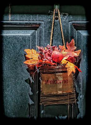 Photograph - Welcome Basket On Door by Robert Ullmann