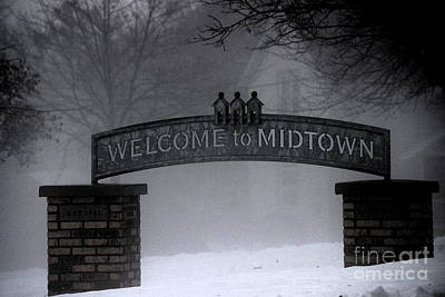 Photograph - Welcome To Midtown by Linda Shafer