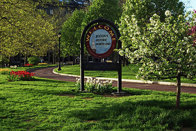Photograph - Welcome To North End Sign Boston Ma With Spring Tulips by Toby McGuire