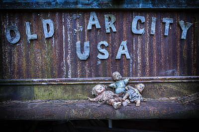 Photograph - Welcome To Old Car City by Alan Raasch