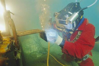 Arc Welder Photograph - Welding Underwater by Alexis Rosenfeld