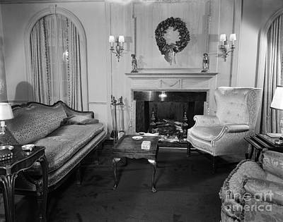 Well-appointed Living Room, C.1940s Art Print by H. Armstrong Roberts/ClassicStock