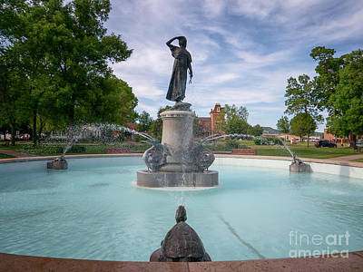 Wenonah Fountain Winona Mn Art Print