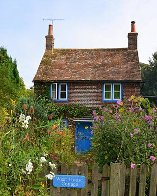 Photograph - West House Cottage In Goodnestone England by Carla Parris