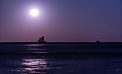 Photograph - West Pierhead Moon by Everet Regal