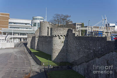 Photograph - West Quay Southampton Walls by Terri Waters
