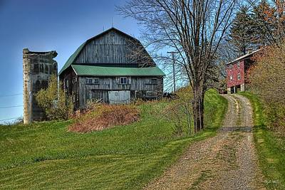 Photograph - Western Pennsylvania Country Barn by Dyle   Warren