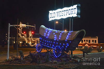 Photograph - Westport Covered Wagon Holiday Lights by Catherine Sherman
