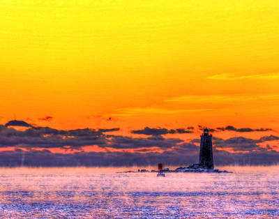 Photograph - Whaleback Light 263 by Jeff Stallard