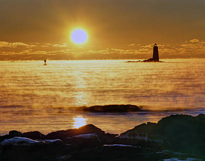 Photograph - Whaleback Light 264 by Jeff Stallard