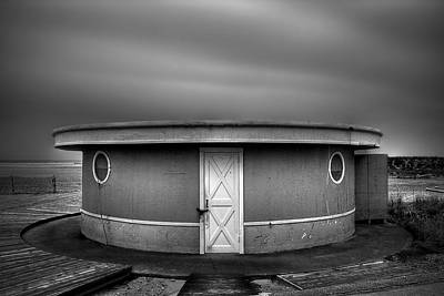 Sand Fences Photograph - What Goes 'round Comes 'round by Evelina Kremsdorf