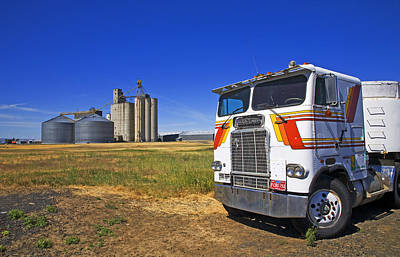 Oregon Photograph - Wheat Silos And Grain Truck by Buddy Mays