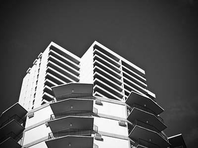 White Building To The Sky In Oahu Hawaii Art Print by Ryan Kelly