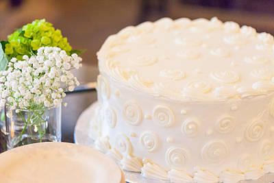 Photograph - White Cake At A Shower by Melinda Fawver