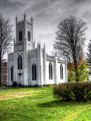 Photograph - White Church by Leslie Montgomery