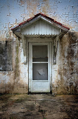 Photograph - White Door And Torn Screen by Murray Bloom