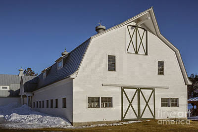 Photograph - White Horse Barn In Vermont by Edward Fielding