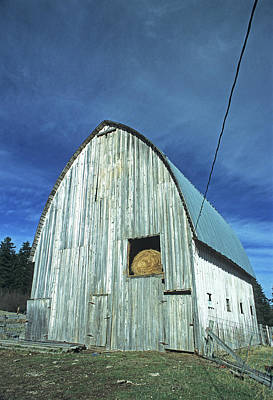 Photograph - White Pine Barn by Doug Davidson