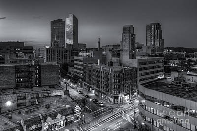 Photograph - White Plains Skyline At Twilight II by Clarence Holmes