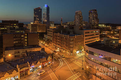 Photograph - White Plains Skyline At Twilight IIi by Clarence Holmes