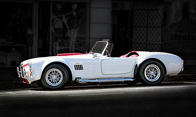 Photograph - White-red Ford Cobra by Gene Parks