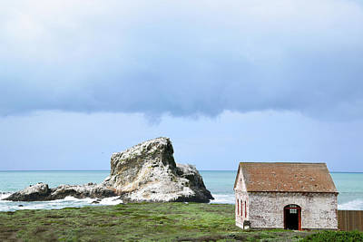 Photograph - White Rock And Fire Building Piedras Blancas by Floyd Snyder