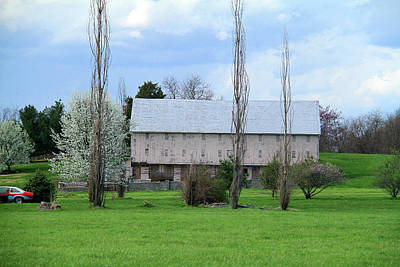 Photograph - White Roof Barn by Emanuel Tanjala