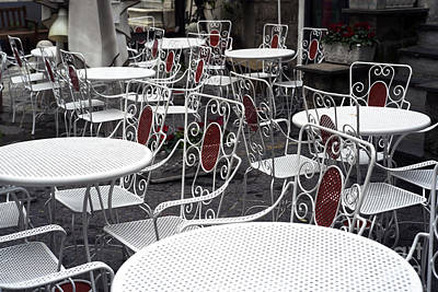 Photograph - White Tables In Sorrento by John Rizzuto