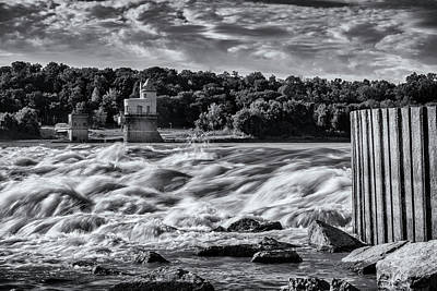 Photograph - White Water At The Chain Of Rocks St Louis Bnw 7r2_dsc2256_10012017 by Greg Kluempers