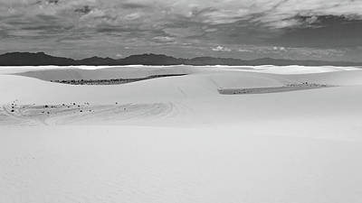 Photograph - White_sands_nmbw by Kent Nancollas