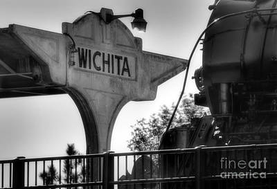 Photograph - Wichita Approach by Fred Lassmann