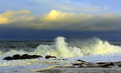 Photograph - Wicked Waves by Suzanne DeGeorge
