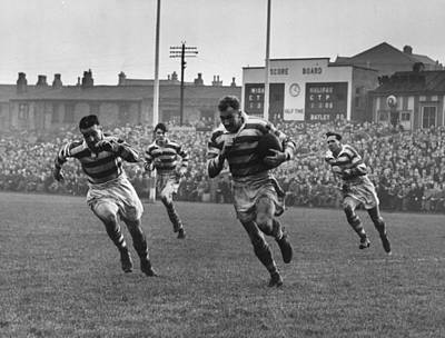 Rugby Photograph - Wigan Dash by Hewitt Vanderson