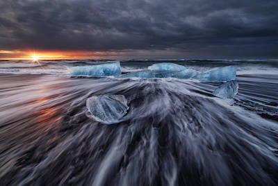 Silk Photograph - Wild Ice V by Juan Pablo De