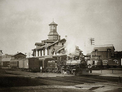 Wilkes Barre Pa. New Jersey Central Train Station Early 1900's Print by Arthur Miller