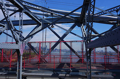 Photograph - Williamsburg Bridge New York Skyline by Toby McGuire
