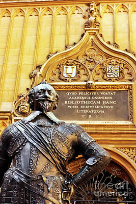 Photograph - William Herbert Statue, Bodleian Library, Oxford  by Terri Waters