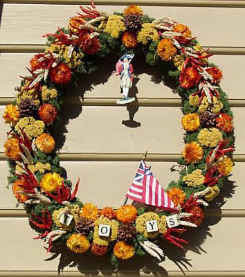 Pine Cones Photograph - Williamsburg Wreath 60 by Teresa Mucha