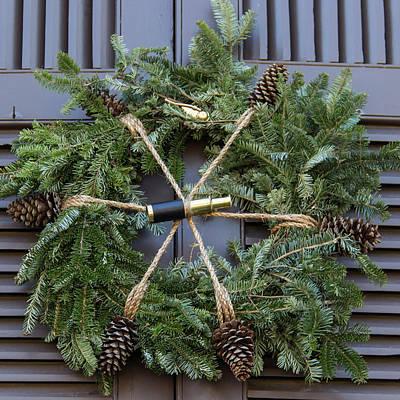 Roaring Red - Williamsburg Wreath 75 by Teresa Mucha