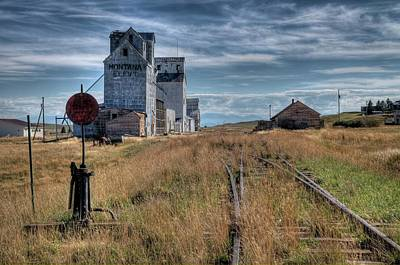 Photograph - Wilsall Grain Elevators by Dave Rennie