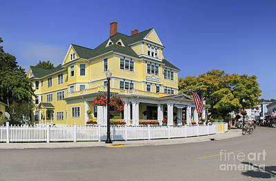 Photograph - Windermere Hotel Mackinac Island by Rachel Cohen