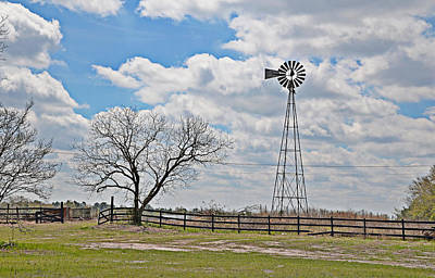 Photograph - Windmill In Monetta by Linda Brown