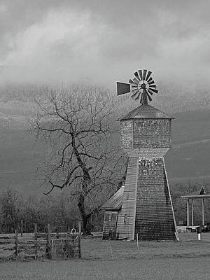 Photograph - Windmill Of Old by Suzy Piatt