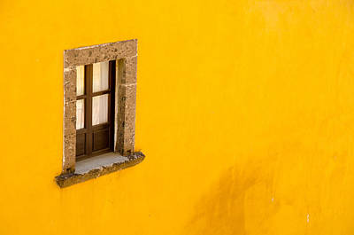 Rights Managed Images Photograph - Window On A Yellow Wall. by Rob Huntley