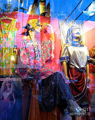 Photograph - Window Shopping by Colleen Kammerer